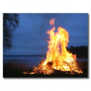 midsummer_eve_summer_solstice_fire_night_photo_postcard-r51aaab0c2463484b9f58bc32d8c32cfd_vgbaq_8byvr_512